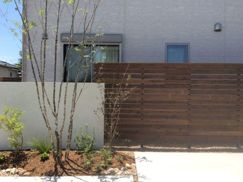 目隠しを活かしたナチュラルガーデン|造園外構工事|高崎市