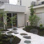 和モダンの庭園