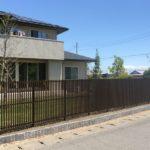 雑木と縦格子フェンスのお庭7