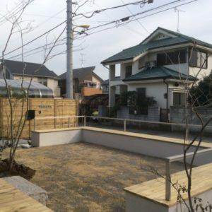 シンプルモダン庭|ベンチ・板塀・植栽・外構|埼玉県上尾市