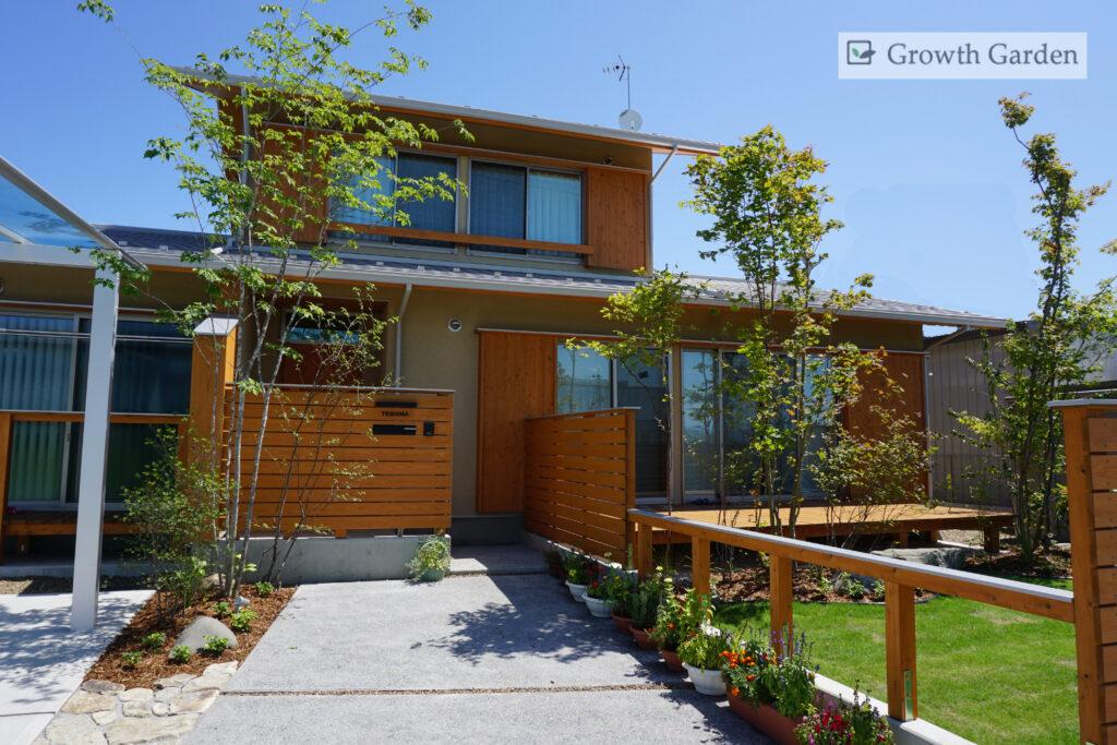 おしゃれな玄関アプローチ、For example,センスの良い庭、群馬県高崎市の外構エクステリアはグロウスガーデン